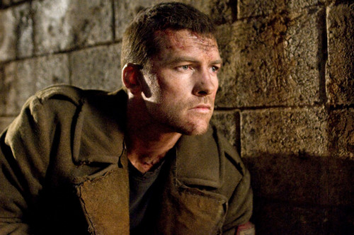 Sam Worthington hình nền containing a green cái mủ nồi, beret titled Kẻ hủy diệt Salvation Promotional Stills