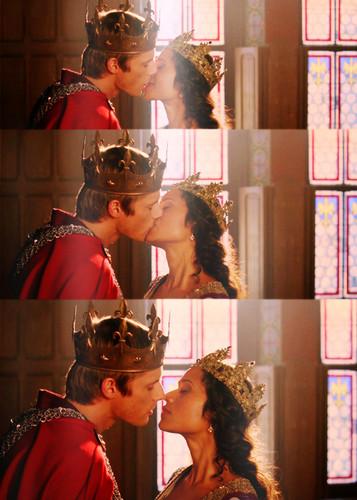 The Coronation 키스