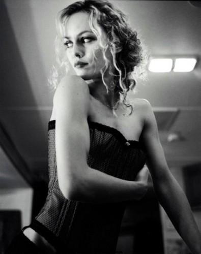 Vanessa :) - vanessa-paradis Photo