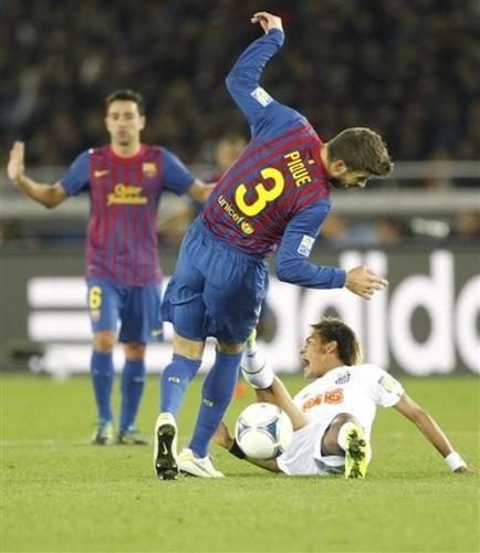 Xavi Hernandez:Santos FC (0) v FC Barcelona (4) - FIFA Club World Cup [Final]