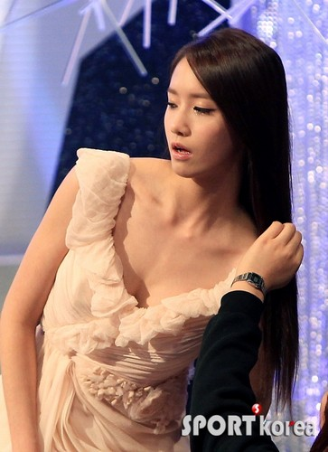 YoonA @ 2011 KBS Entertainment Awards
