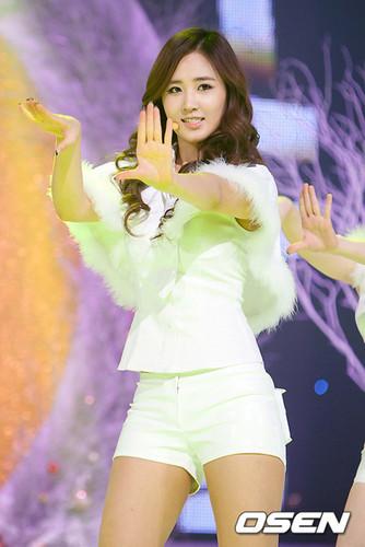 Yuri @ Mnet Countdown