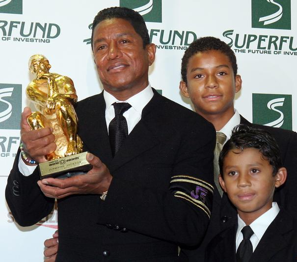 jermaine and his kids jaafar and jermajesty attend the ...