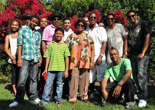 the jackson family katherine jackson with her children and grandchildren