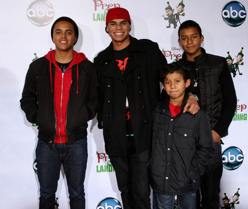 the jacksons brothers donte, randy jr, jermajesty and jaafar at prep and landing premiere