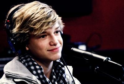 Cody 143 cody simpson 27901772 399 272 - Cody Simpson