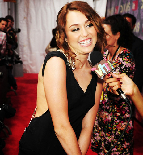 ✿ Smiley Miley ✿