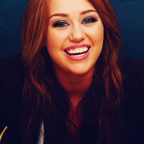 ✿ Smiley Miley ✿