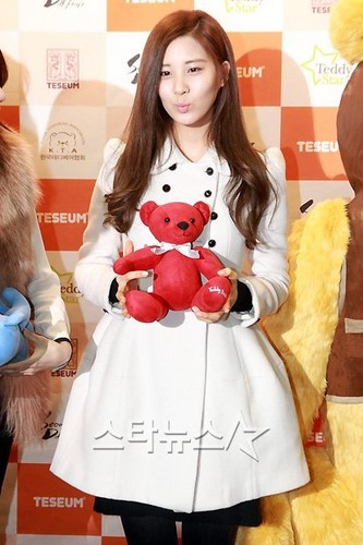 111228 SNSD - 2011 Seoul Doll Fair - seohyun-girls-generation Photo
