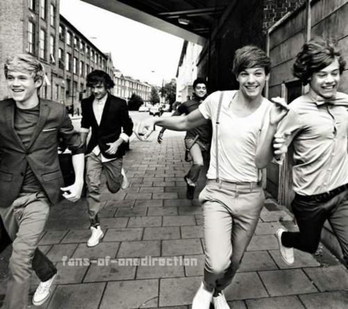One Direction wallpaper containing a street entitled 1D ♥