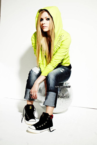 Avril X Lotto 2012 Photoshoot - avril-lavigne Photo