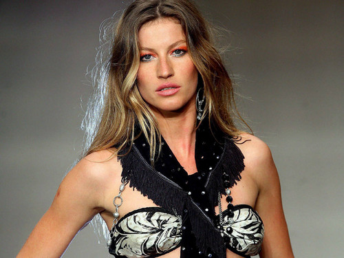 Gisele Bundchen wallpaper possibly containing a portrait titled Bündchen