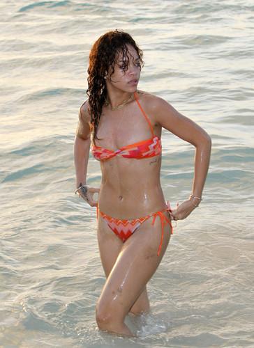 Bikini (Barbados) 29 12 2011