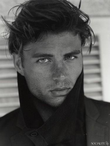 Christian Jorgensen Modeling تصاویر