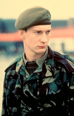 David Thewlis wallpaper containing a green beret, a rifleman, and fatigues titled DT