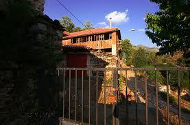 Dahvie's house! Von Emilina!