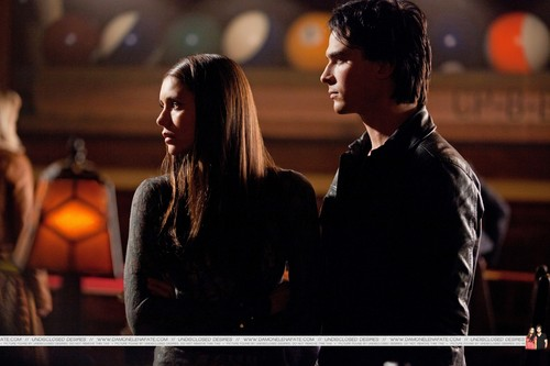Damon & Elena fondo de pantalla called Damon & Elena 3.10 HQ