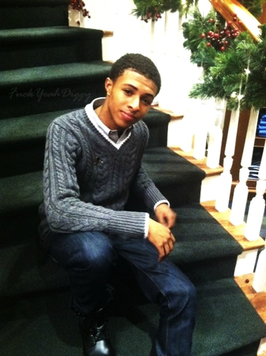 Diggy Simmons wallpaper probably containing a business suit, a street, and a sign titled Diggy♥