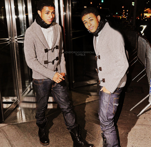 Diggy Simmons wallpaper probably with a hip boot, an outerwear, and a box coat titled Diggy♥