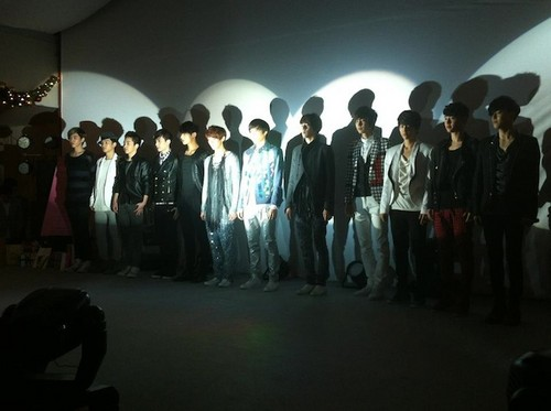 EXO-M and EXO-K full group leaked.