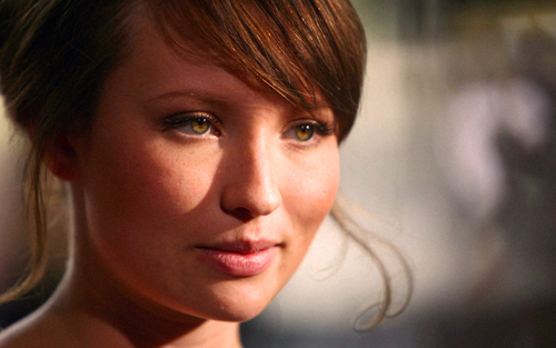 Emily Browning wallpaper containing a portrait called Emily Browning-Fan Art
