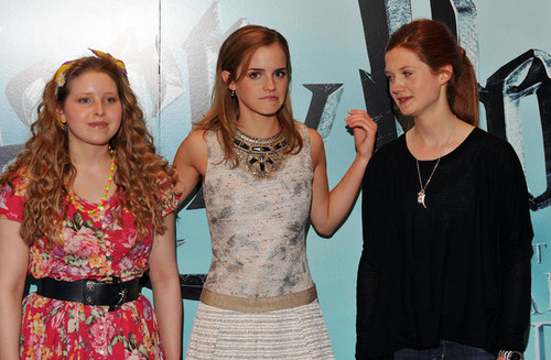 Emma Watson, Bonnie Wright, and Jessie Cave