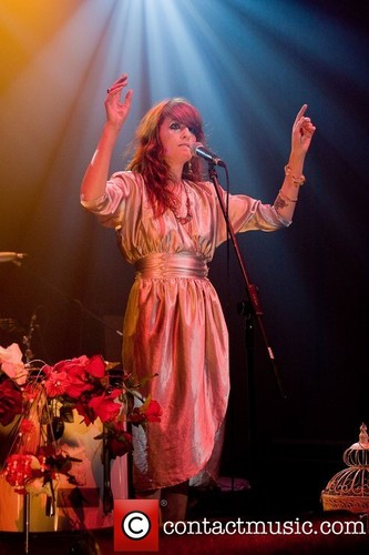"""Florence Performs @ 2008 """"Itunes Festival"""" - London"""