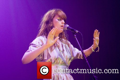 """Florence Performs @ 2008 """"Itunes Festival"""" - 런던"""