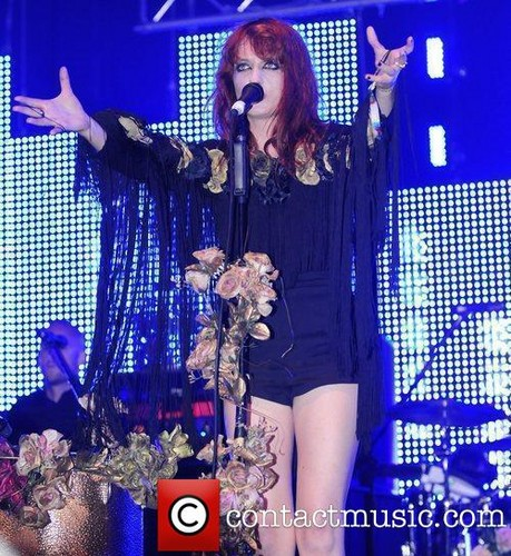 "Florence Performs @ 2009 ""Glastonbury Festival"" - England"