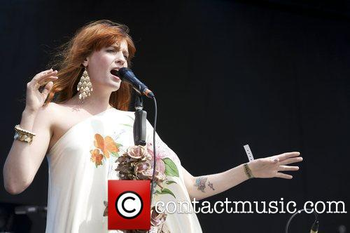 "Florence Performs @ 2009 ""Hop Festival"" - England"