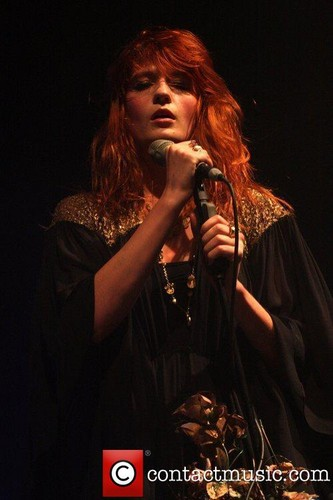 Florence Performs @ Manchester Academy - England