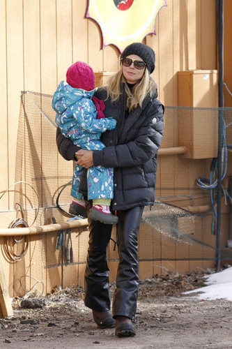 Heidi Klum and مہر at Buttermilk Resort
