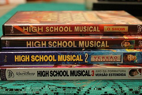 High School Musical wallpaper entitled High School Musical- DVD´s