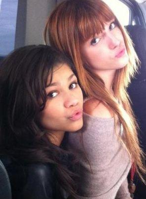 I 爱情 ya Zendaya and Bella! :)