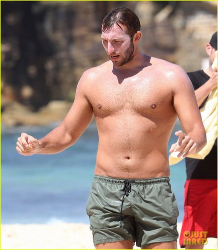 Ian Thorpe: Shirtless Sexy in Sydney!