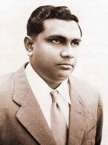 Maldives پیپر وال containing a business suit, a suit, and a double breasted suit titled Ibrahim Nasir Rannabandeyri Kilegefan