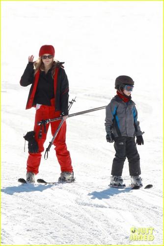 Kate Hudson: Aspen Adventure!