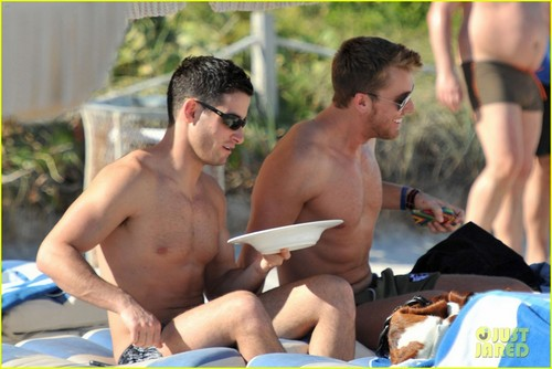 Lance bass & Michael Turchin: New Year's Eve strand Time!