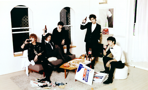 http://images5.fanpop.com/image/photos/27900000/MBLAQ-2012-Season-Greeting-mblaq-27975460-500-304.png