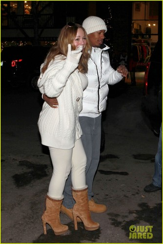 Mariah Carey & Nick Cannon: Aspen with the Twins!