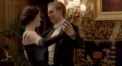 Downton Abbey 壁紙 probably with a business suit and a portrait entitled Mary & Matthew