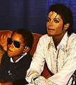 Michael and his nephew TJ in 1986! <3 - michael-jackson photo