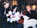 Michael feeds a baby tiger! <3 - michael-jackson photo