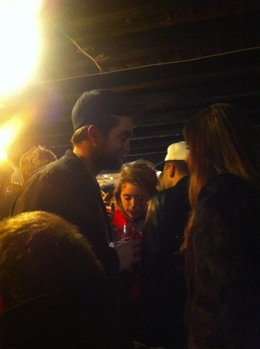 New Pictures of Robert Pattinson from Christmas Eve (London)
