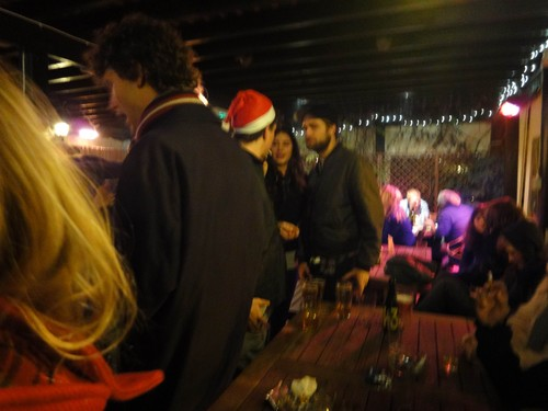 New Pictures of Robert Pattinson from navidad Eve (London)