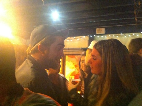 New Pictures of Robert Pattinson from Weihnachten Eve (London)