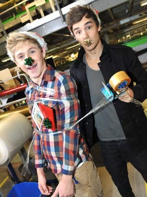 One Direction wallpaper probably with a spatula and a sign titled Niam ♥