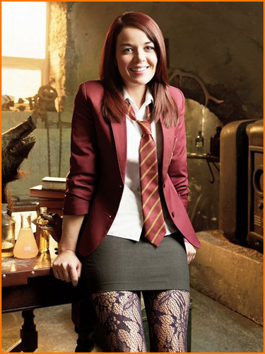 The House of Anubis wallpaper containing a hip boot and a business suit called Patricia