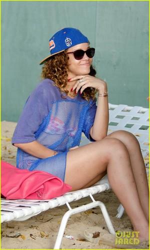 Rihanna: Sheer Cover-Up for Bikini!