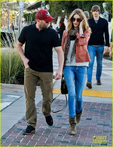Rosie Huntington-Whiteley & Jason Statham: Taverna Twosome